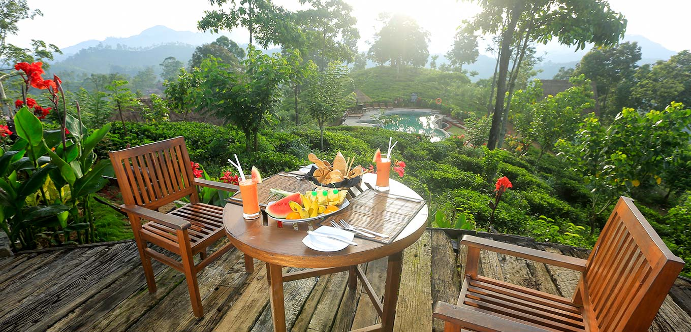Breakfast on the Terrace at 98 Acres Resort